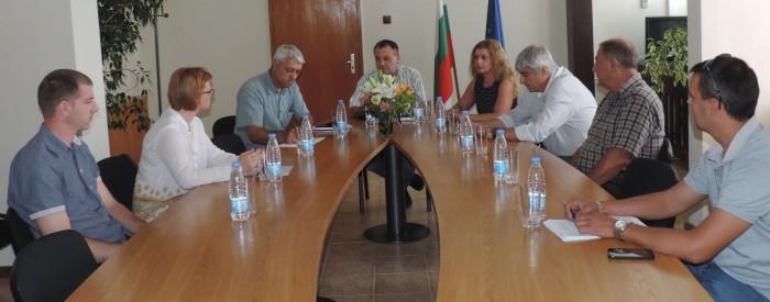 """Областният управител проведе среща на тема """"Състояни� ..."""