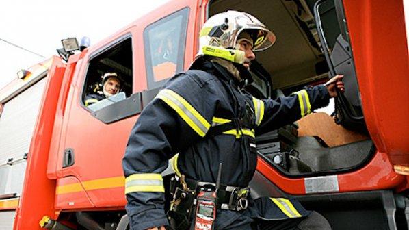 Късо съединение в елинсталация подпали къща в Раковск� ...