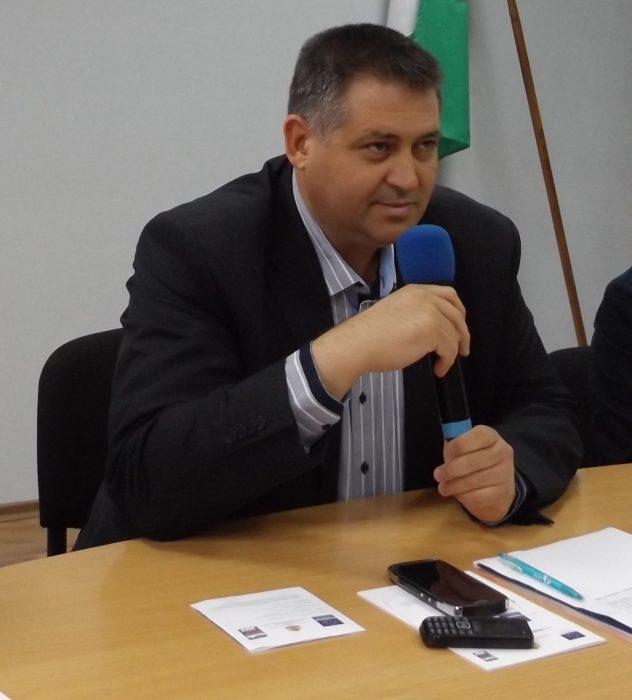 Кметът на Разград  д-р Валентин Василев отпътува на раб ...
