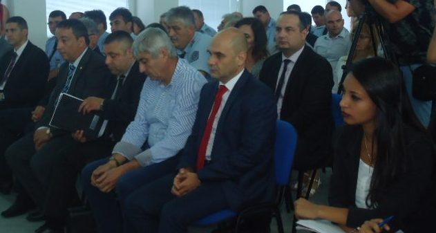 Областният управител участва в работна среща за преве� ...