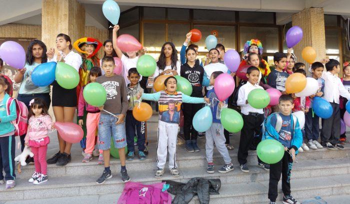 Ученици от шест разградски училища се включиха във фла ...