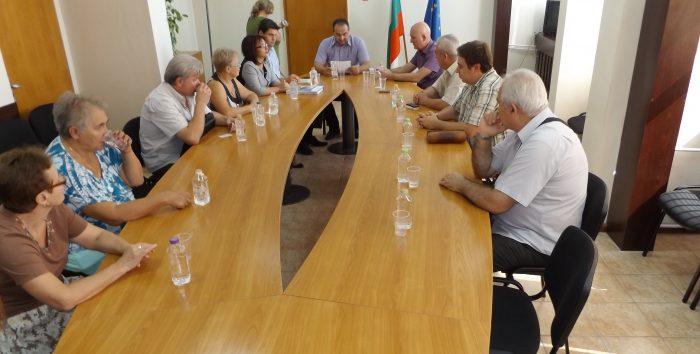 Губернаторът Кившанов връчи печатите на председателя  ...