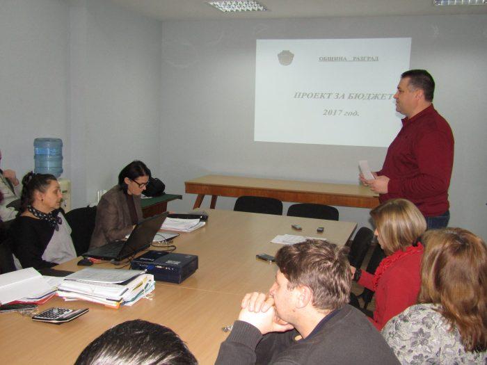 Кметът д-р Валентин Василев представи проекта за бюдже ...