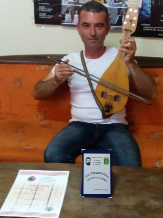 Деян Денчев – най-добър майстор-лютиер в България