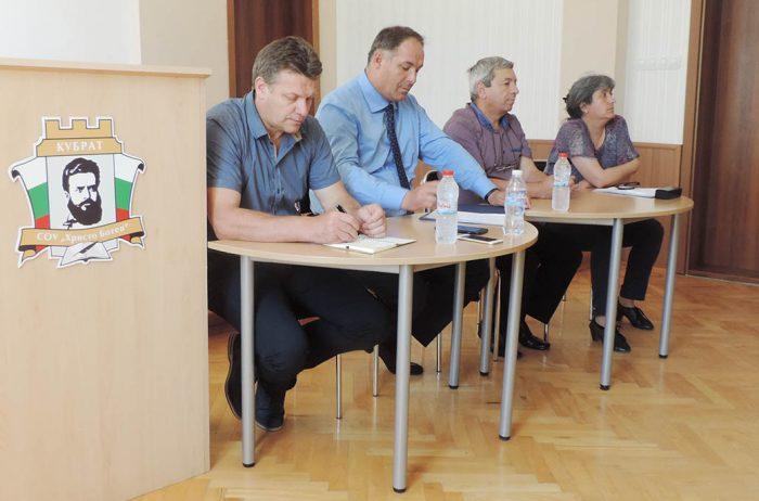 Продължават работните срещи на Областния управител с � ...