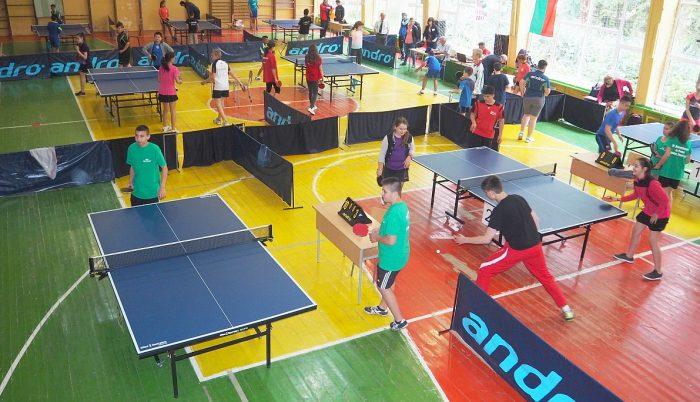 Днес стартираха и финалите по тенис на маса във възрас� ...