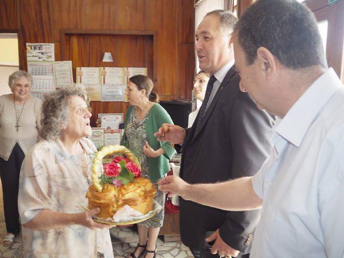 Губернаторът Гюнай Хюсмен ще дарява по 1000 лева годишно ...
