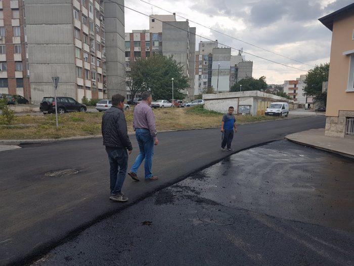 Кметът инспектира новите настилки в Разград