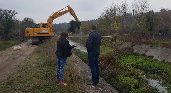Д-р Валентин Василев инспектира процеса по почистване  ...