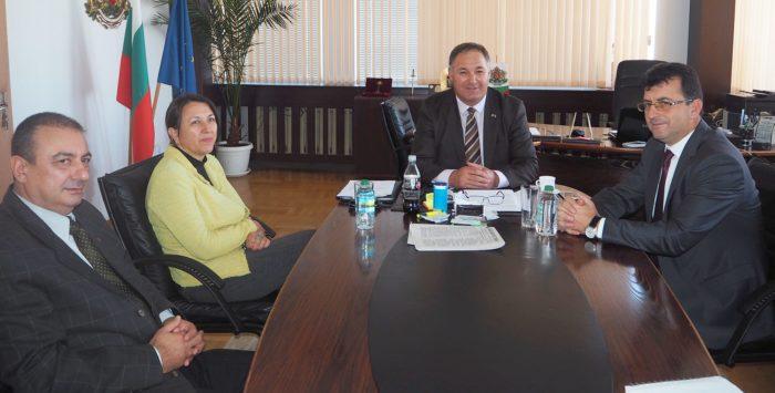 Областният управител се срещна с евродепутата от ГЕРБ  ...