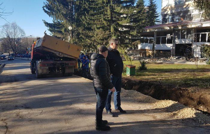 """Община Разград рехабилитира улицата до стадион """"Лудо� ..."""