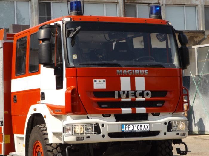Пожар изпепели 9 крави и 70 кв. м. покривна конструкция в  ...
