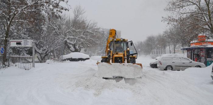 24 машини чистят пътищата в Разградска област, отпадна � ...
