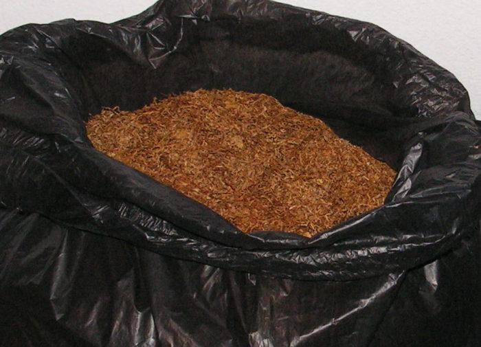 Тютюн без бандерол беше открит в Разград и Дряновец