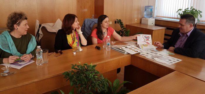 Д-р Валентин Василев се срещна с художника и организат� ...