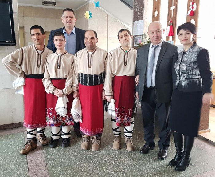 Кметът но Община Разград д-р Валентин Василев поздрави ...
