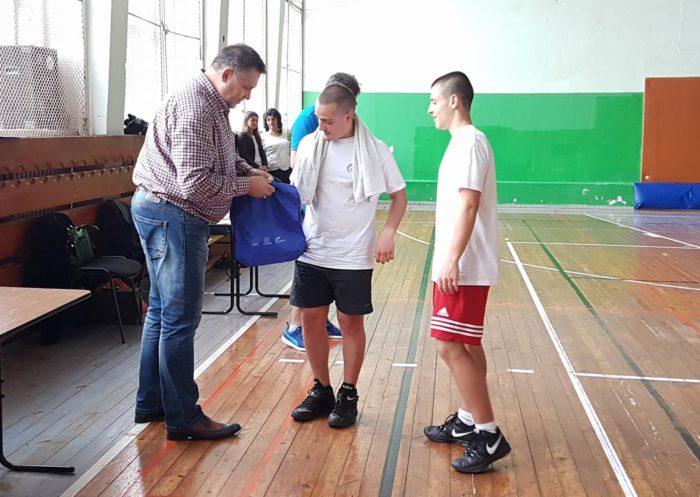 Кметът награди победителите в баскетболен турнир в Дн� ...