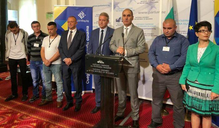 10 000 лв за ремонт на джамията в Подайва дари премиерът Б ...