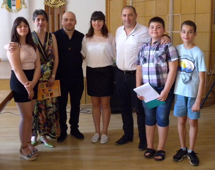 Секретарят на МКБППМН в Кубрат д-р Надие Карагьозова и� ...