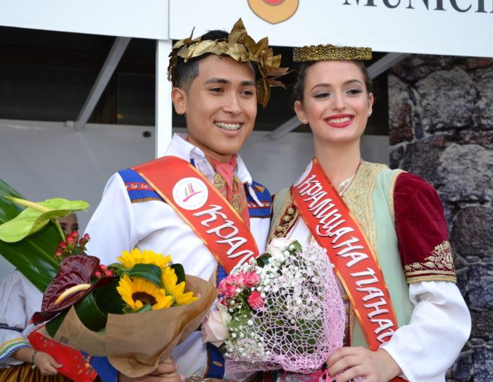 Кметът короняса избраните за Кралица и Крал на Панаира ...