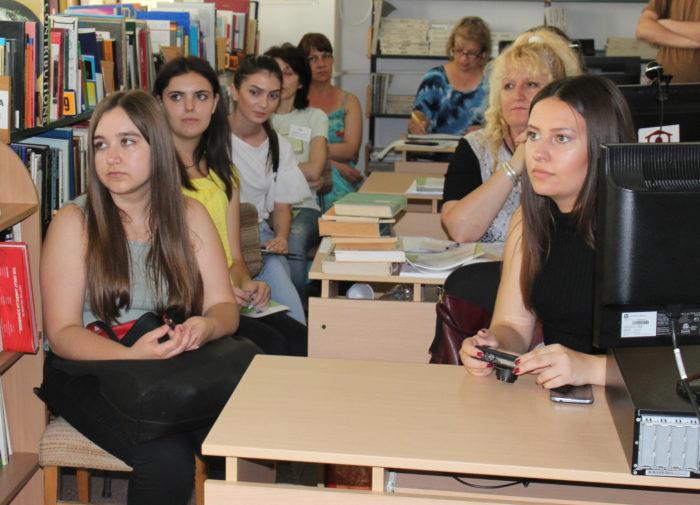 Експертът в ОИЦ Емил Чанков разясни възможностите за к ...