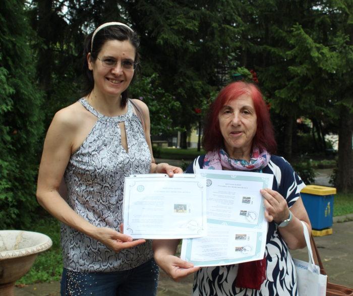 Директорът на българското училище във Вашингтон подар ...