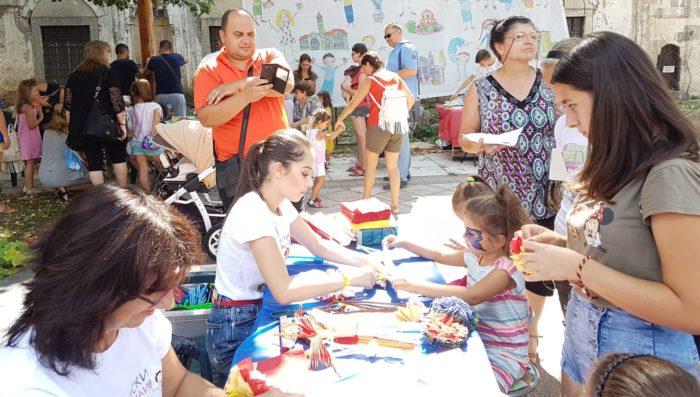Кметът д-р Валентин Василев откри първия Детски панаир ...