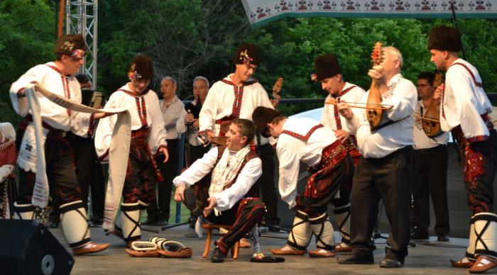Капанският ансамбъл участва в Международен фолклорен  ...