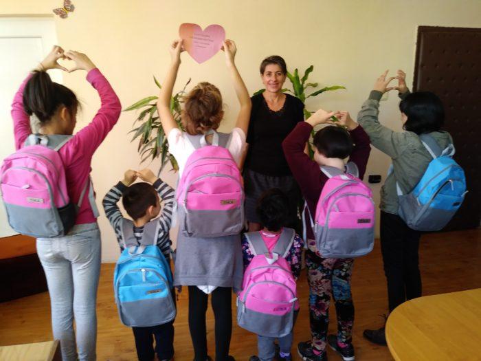Деца от приемни семейства в Бисерци получиха подаръци  ...