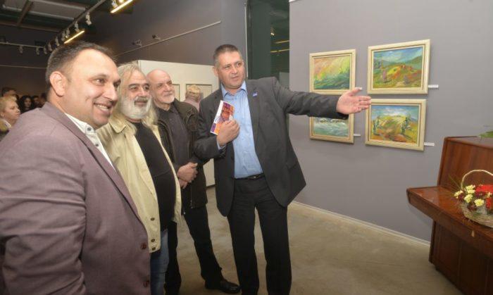 Д-р Валентин Василев откри годишната изложба на Съюза � ...