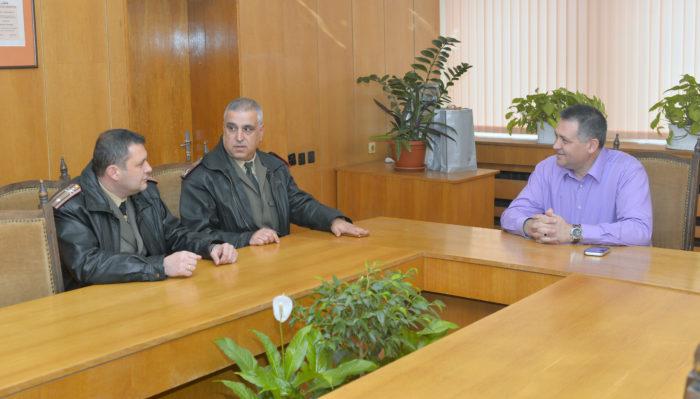 Кметът д-р Валентин Василев се срещна с новия шеф на Во� ...