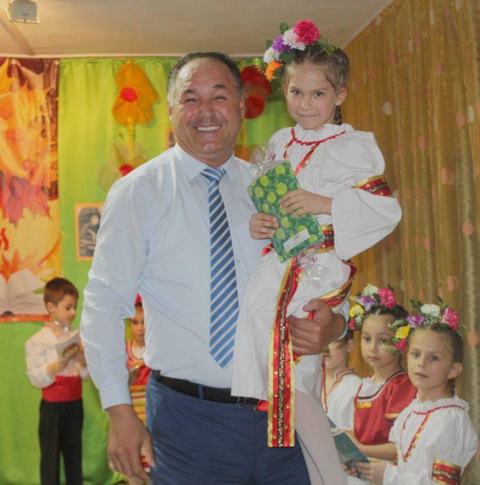 """""""Вечните песни на България""""звучаха в разградската ДГ ..."""