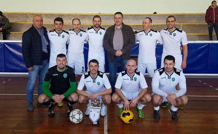Кметът д-р Валентин Василев връчи награди на победител ...
