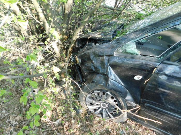 Шофьор заспа зад волана, пострада тежко спътничката му ...