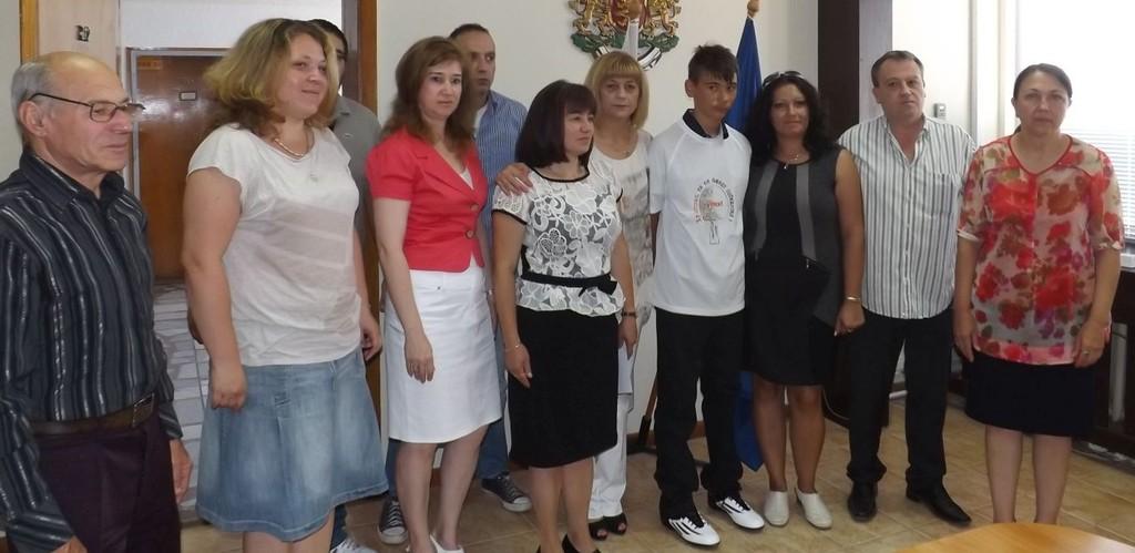 Областният управител Петър Василев и заместниците му � ...