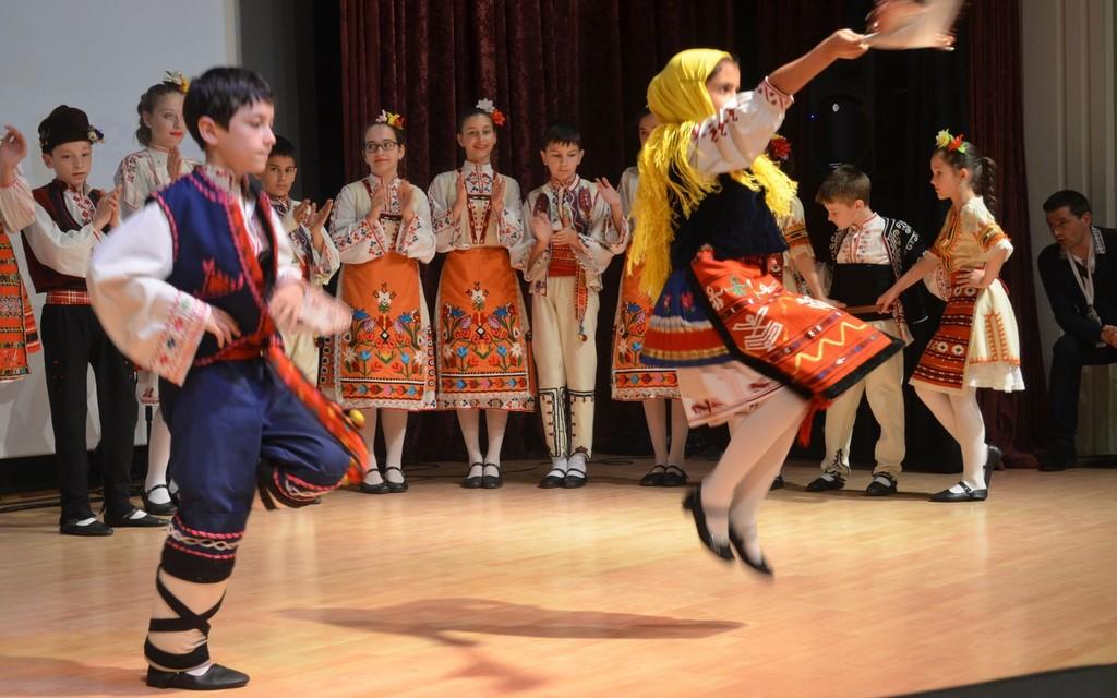 """Деца от """"Лудогорче"""" празнуваха Деня на детето в Турци ..."""