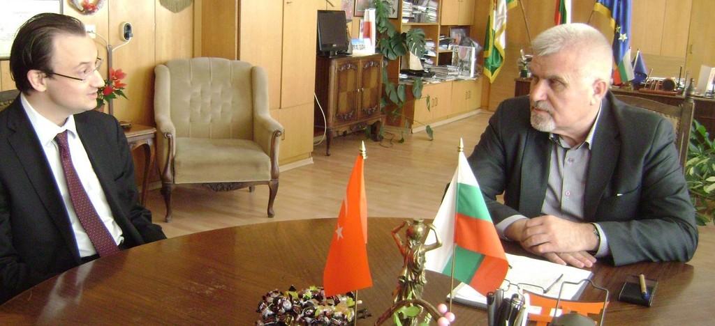 Кметът Денчо Бояджиев се срещна с Генералния консул на ...