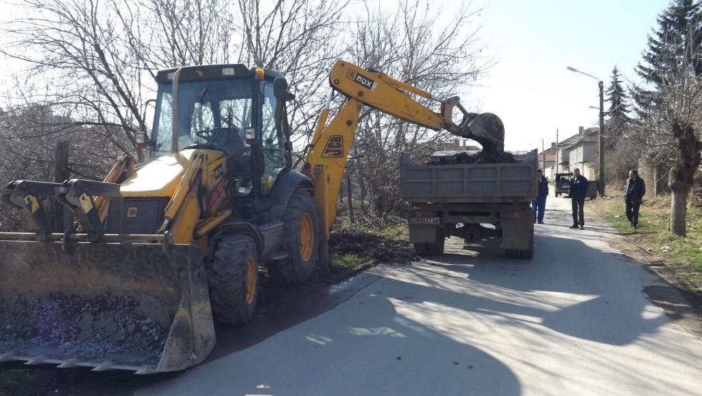 Отстраниха проблем с водопроводната мрежа в Езерче