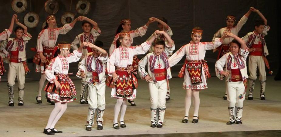 """Танцов ансамбъл """"Лудогорче"""" заминава на Международе� ..."""
