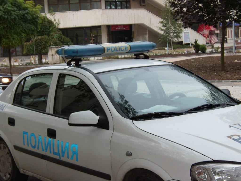 """Крадци преджобиха четири ученички в ПГИ """"Р. Шуман"""""""