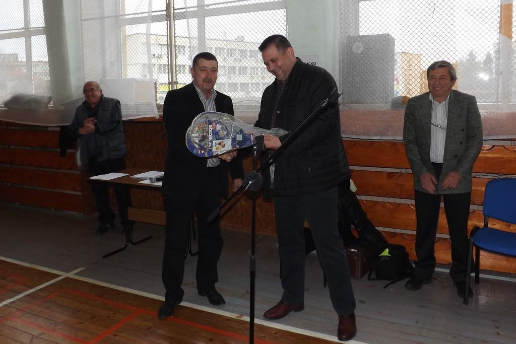 Кметът д-р Валентин Василев откри 28-та Учителска спарт� ...