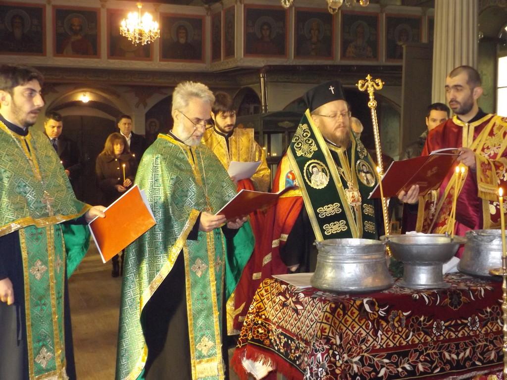 Със заупокойна литургия Разград почете загиналите за � ...