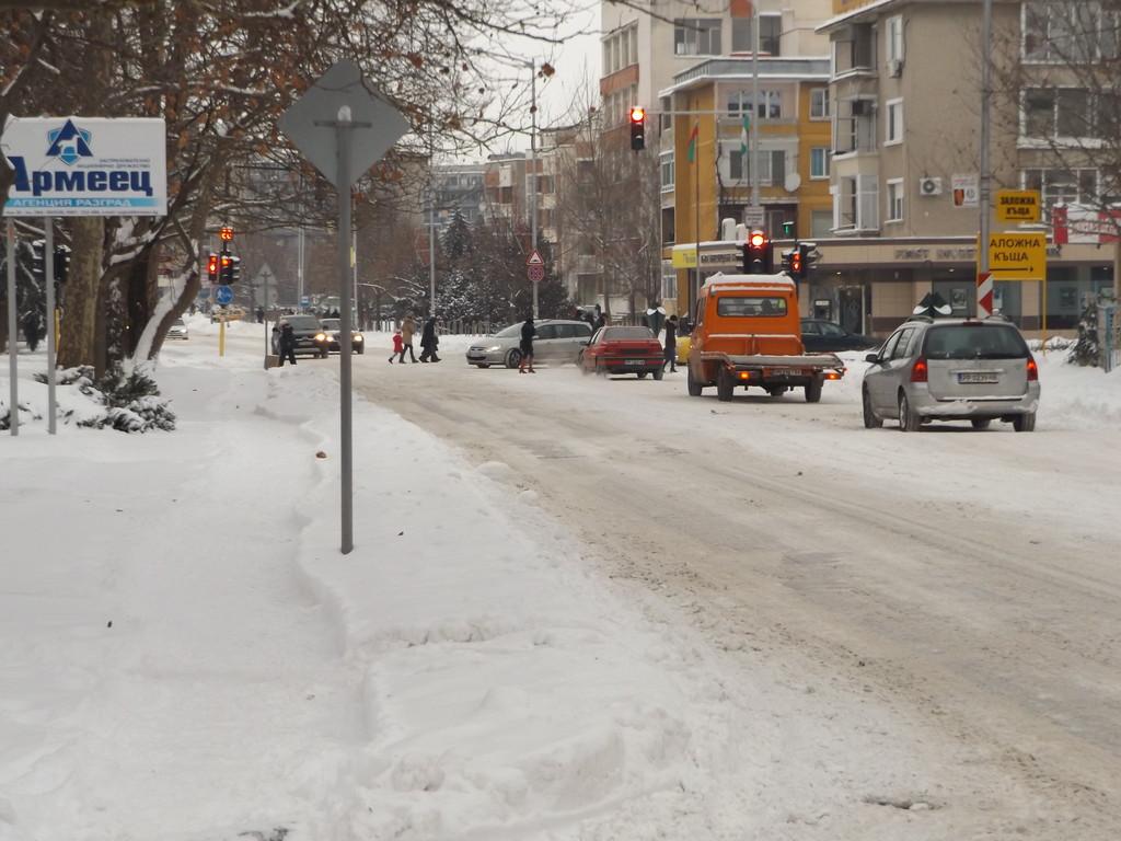 Проходими при зимни условия са пътищата на територият� ...