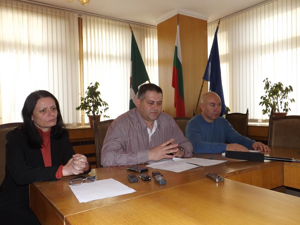 Кметът на Разград д-р Василев даде пресконференция за � ...