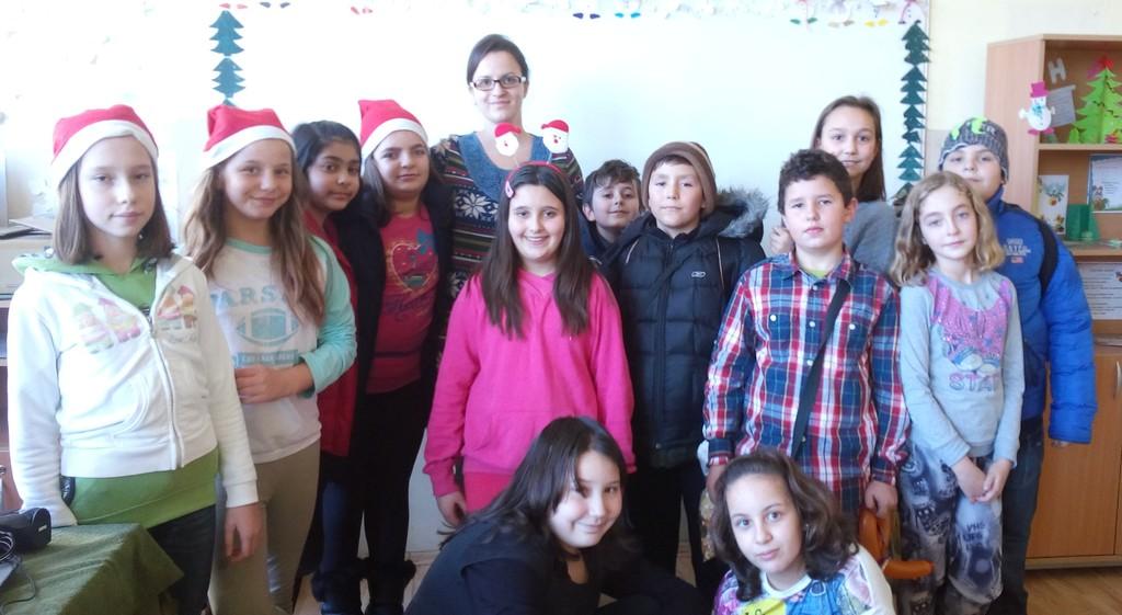 """Ученици от ОУ """"И.С.Тургенев"""" дариха плодове на децата  ..."""