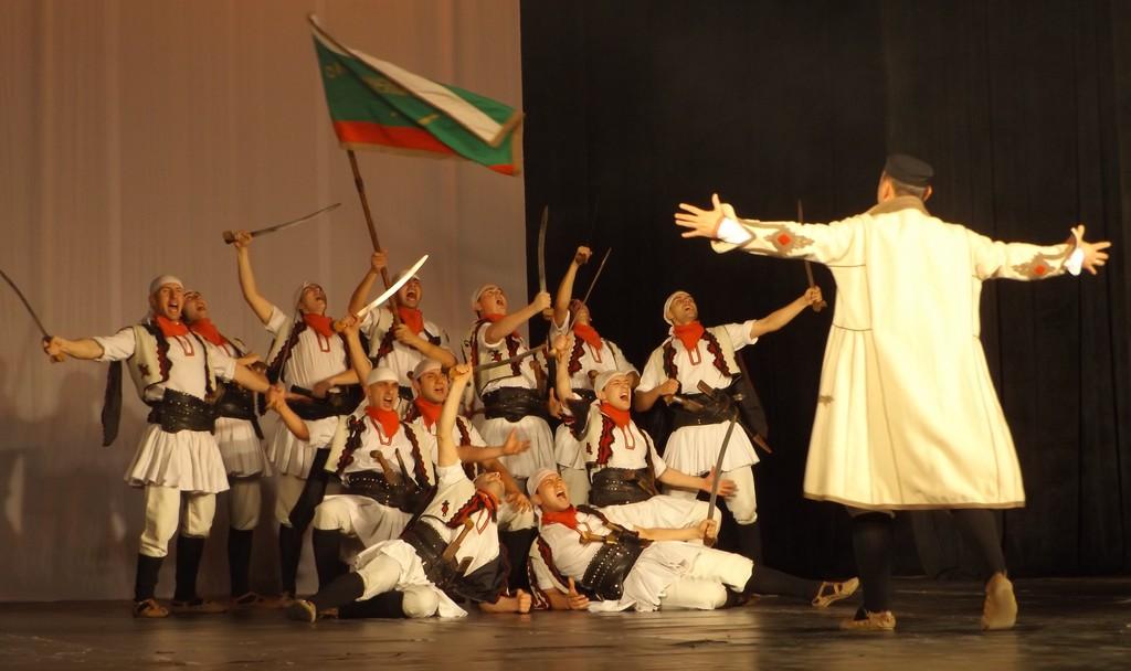 """""""Българе"""" изправи на крака публиката в Разград"""