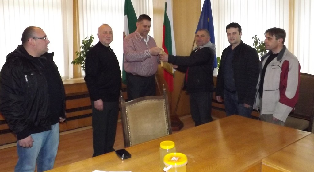 Градоначалникът поздрави пчеларите по повод професио� ...