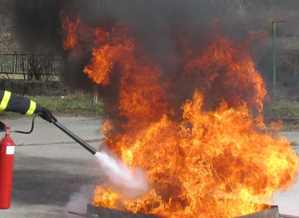 Пожар унищожи два фритюрника в павилион за дюнери
