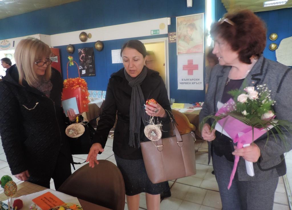 БЧК организира благотворителна Великденска изложба  ...