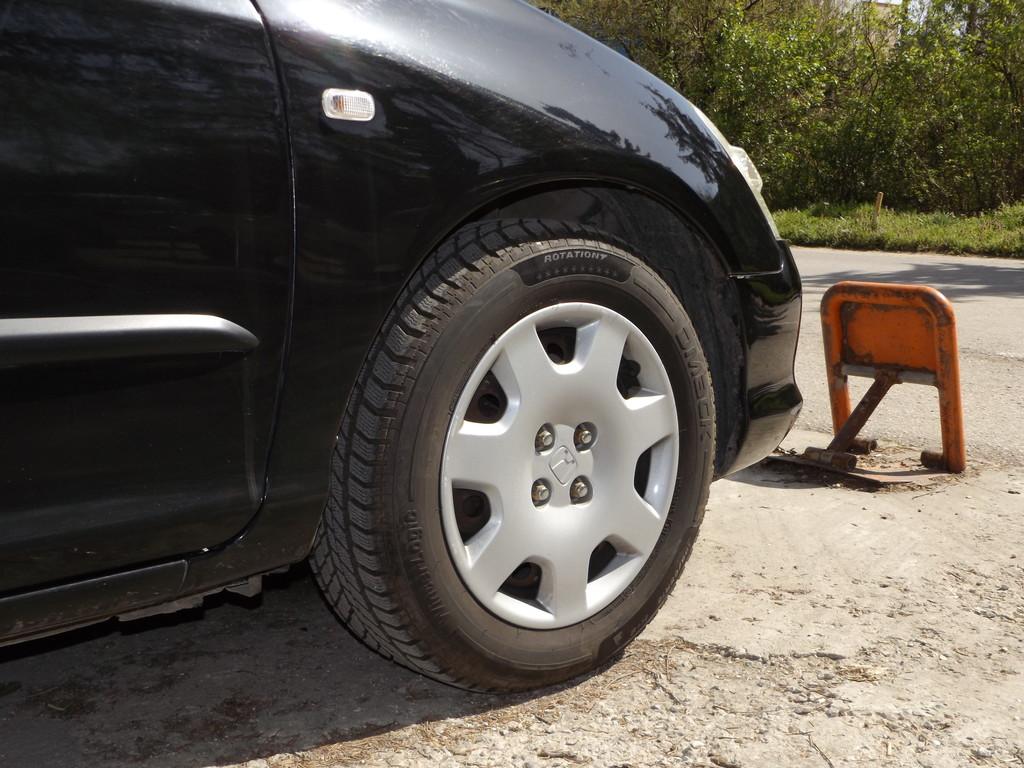 Нарязаха гумите на другоселец